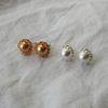 빈티지 장식 원형 볼 귀걸이 티타늄침 (2color)