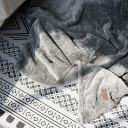 실용적이고 따뜻한 겨울 극세사 블랭킷 담요 100x150