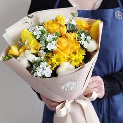 일루미네이팅 옐로 생화 꽃다발 스탠다드타입 중형 전국택배