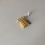빈티지 옐로우 에어팟 케이스(Vintage yellow airpods case)