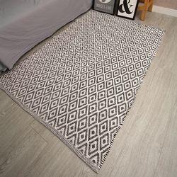순면  다이아 패턴  거실 카페트 양면사용가능 100x140 cm