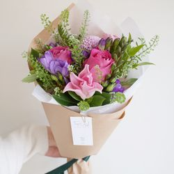 오로라 꽃다발