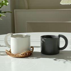 반달 머그컵 2종 무광 커피잔