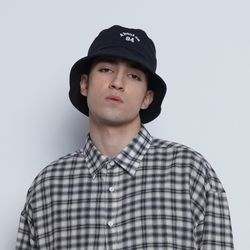 M69 about on bucket hat black
