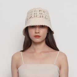 W212 knit bucket hat ivory