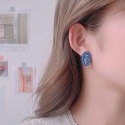 보트니 조형물 꽃그림 원형 귀걸이 925