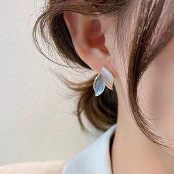 말카 잎사귀 골드 귀걸이