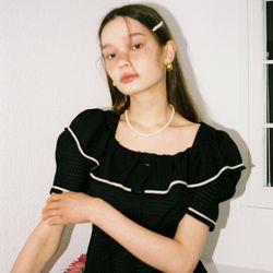 Short Sleeve Ruffle Collar Blouse_ Black