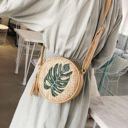 켈리오 나뭇잎 원형 라탄가방 숄더백