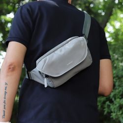 슬링백 힙색 보조가방 작은가방 여행가방 라이트 그레이