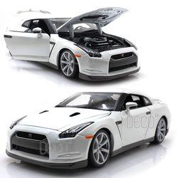 1:18 닛산 2009 GT-R 다이캐스트 미니카