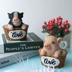 바구니안 돼지 장식 (2colors)