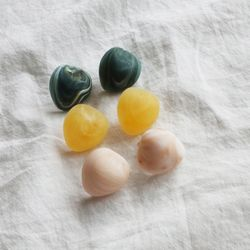마블 조약돌 아크릴 포인트 귀걸이 티타늄침 (3color)