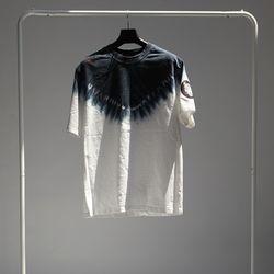 그린바나나 남자 긴팔 블랙 라운드 티셔츠aqua ink