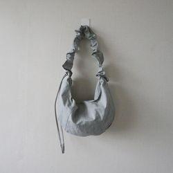 나일론 스트링 주름 반달 숄더 크로스백 (3color)