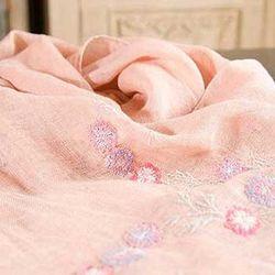 Woman daily 린넨 피치색에 꽃 기계자수 스카프