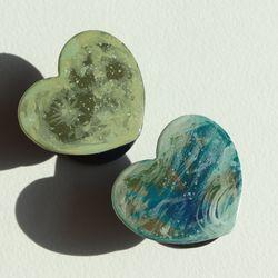 그려낸 지구와 달 그립톡 스마트톡(하트 모양)