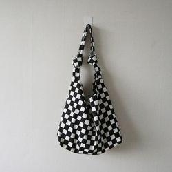 데일리 체커보드 체크 매듭 에코 숄더백 (2color)