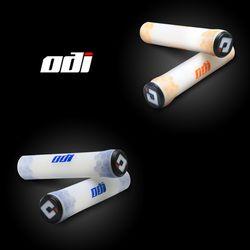 LUUTECH ODI 자전거 실리콘 그립  화이트오렌지 화이트블루