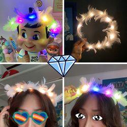 불빛나는 LED 깃털 왕관 머리띠