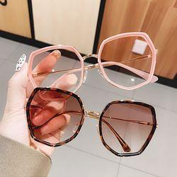 가벼운 다각형 틴트 컬러 여자 패션 선글라스 뿔테