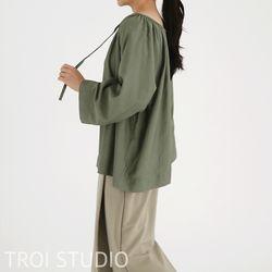 중년여성 모임룩 넥라인 셔링 오버핏 쉬폰 블라우스
