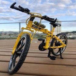 솔라텐테이블 거치대 포함 리얼 스틸 MTB 자전거 모형