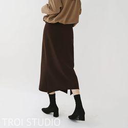 여자 가을 무드있는 바캉스룩 여행패션 깔끔 롱스커트