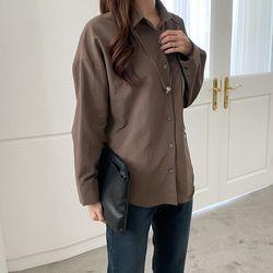 여자 심플한 가을코디 루즈핏 카라 언발 셔츠 블라우