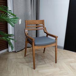 아이스틱 고무나무 원목 식탁의자