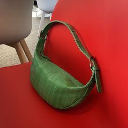 Croissant mini bag (크루아상 미니백) forest green