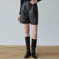 LEATHER SHORT PANTS [BLACK]