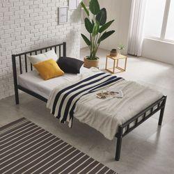 로맨틱 철재 퀸 침대 프레임 Q