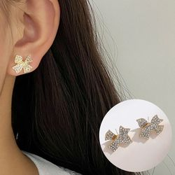 앨뱅티 나비리본 큐빅 볼 귀걸이
